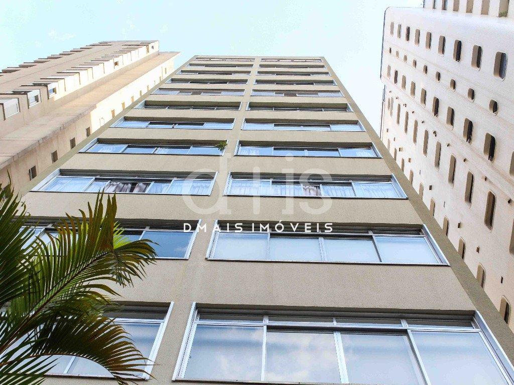 Apartamento reformado à venda no Jardim Paulista